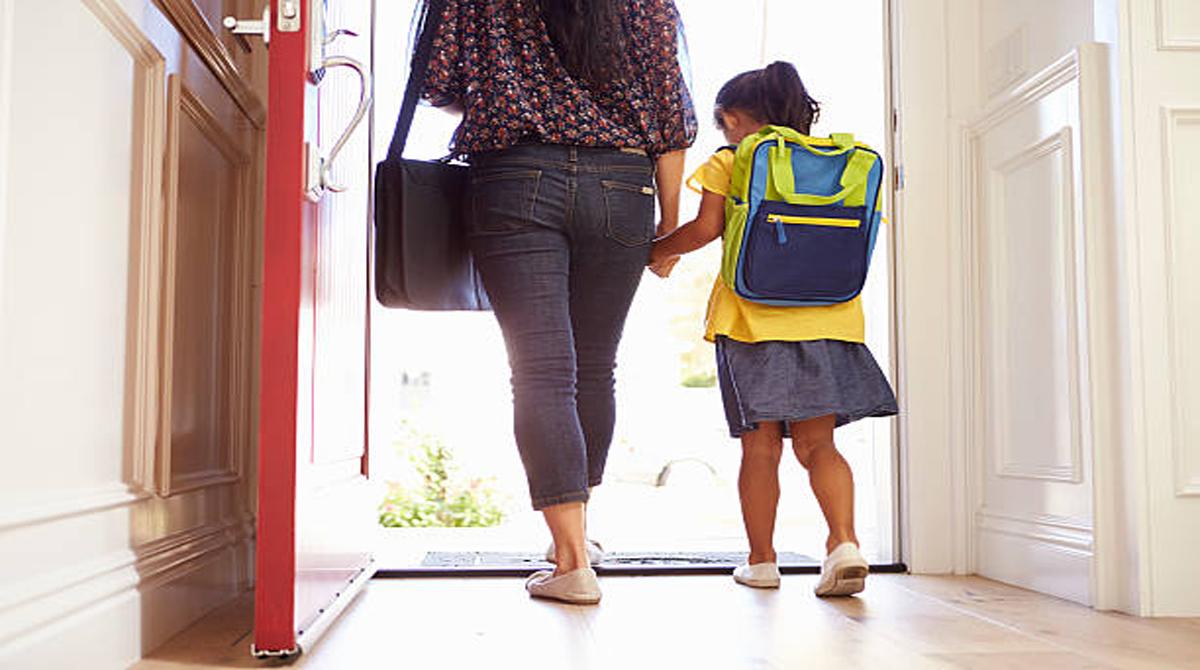 Nα αφήσουμε στην πόρτα του σχολείου χαρούμενα και ασφαλή παιδιά