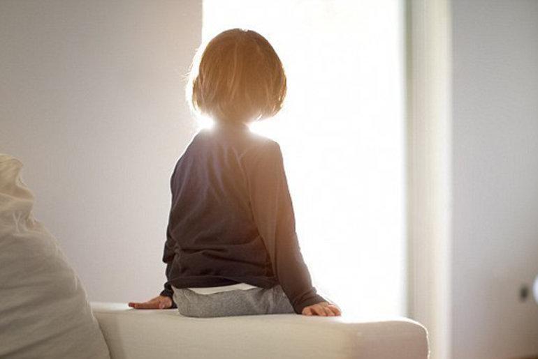 Τα παιδιά μας ζουν μόνα τους στο σπίτι