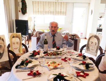 Πατέρας ζωγράφισε τα παιδιά του για να είναι μαζί τις γιορτές