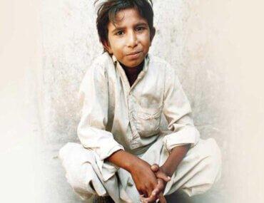 Το αγόρι που έγινε σύμβολο κατά της παιδικής εργασίας