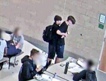 Παιδί σώζει φίλο του που πνιγόταν με φαγητό