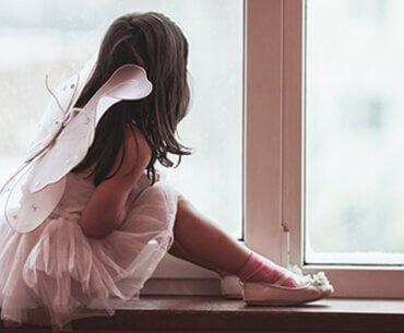 Τα παιδιά ζητούν την αγάπη με τους πιο περίεργους τρόπους