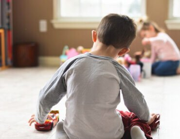 Ισπανία: Όσοι ασκούν ενδοοικογενειακή ή έμφυλη βία δεν θα έχουν δικαίωμα να επισκέπτονται τα παιδιά τους